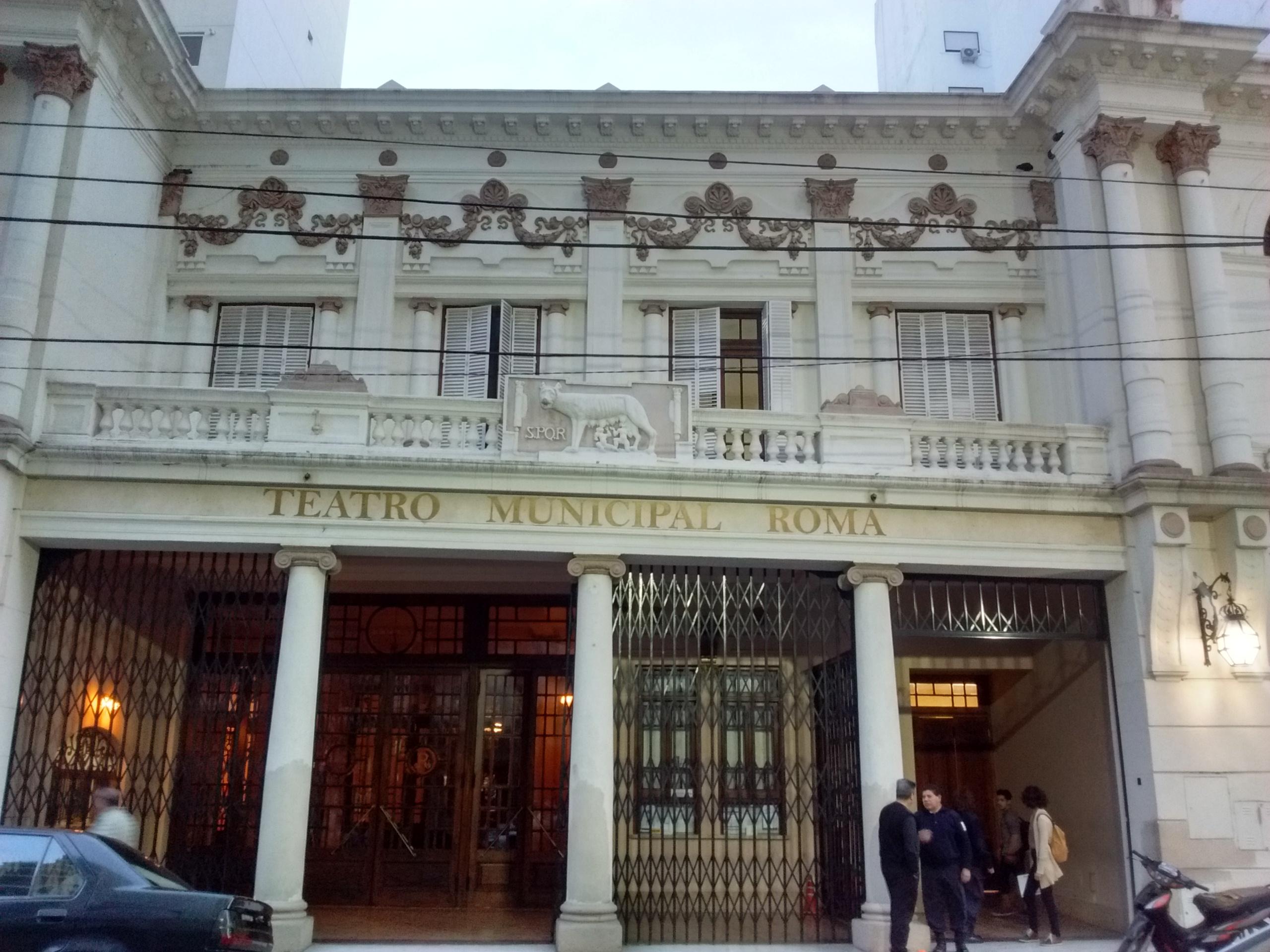 fachada - Teatro Roma