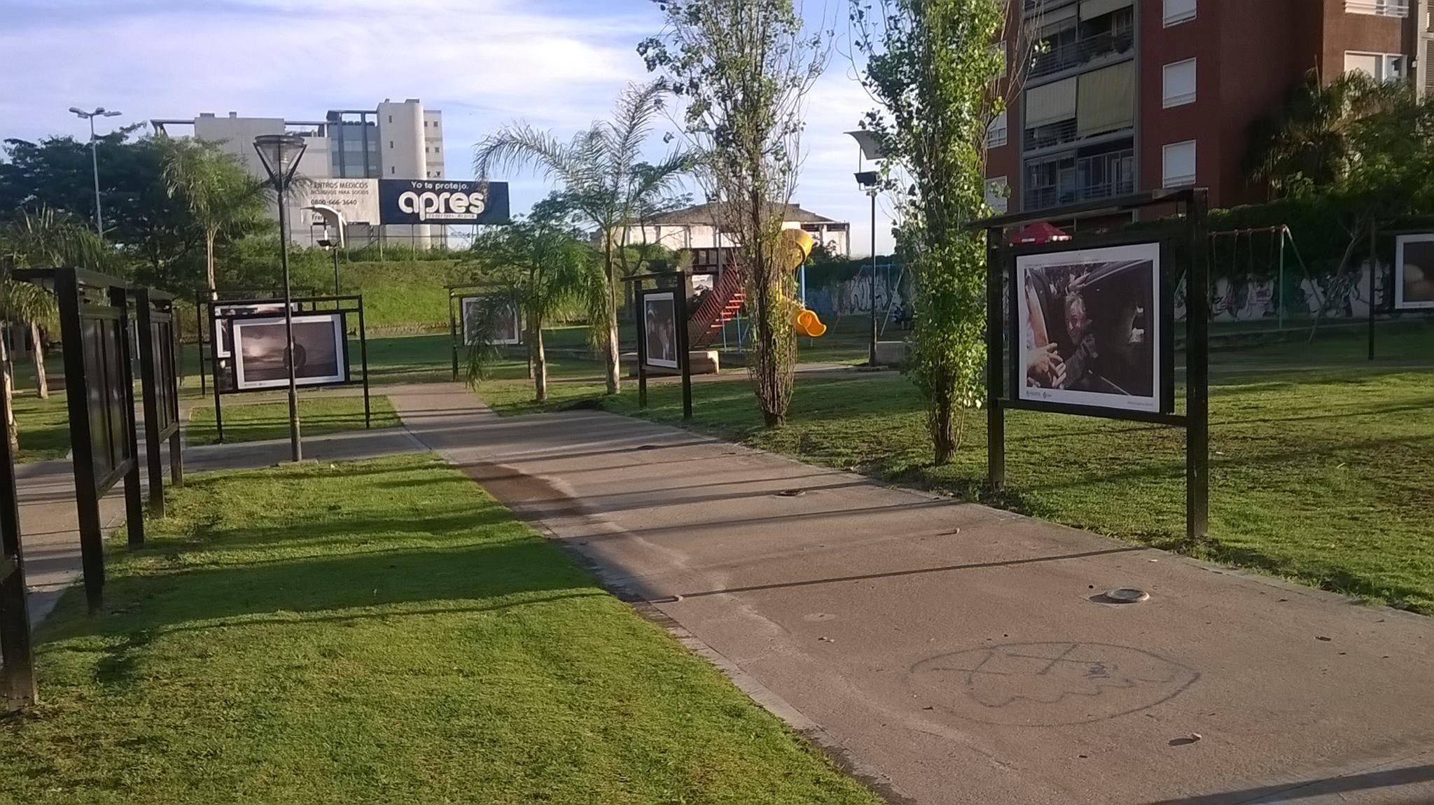 galeria - Galería de fotos a cielo abierto en Plaza Ucrania
