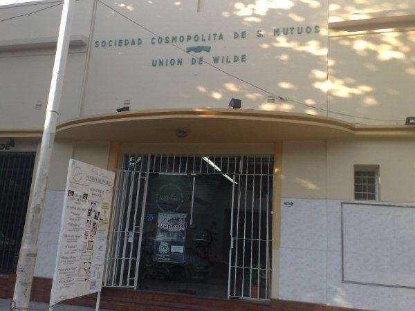 Frente de la Institución - Sociedad Cosmopolita de Socorros Mutuos Unión de Wilde