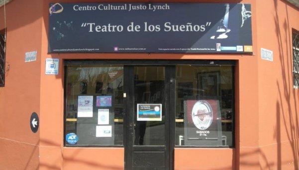 - Centro Cultural Justo Lynch