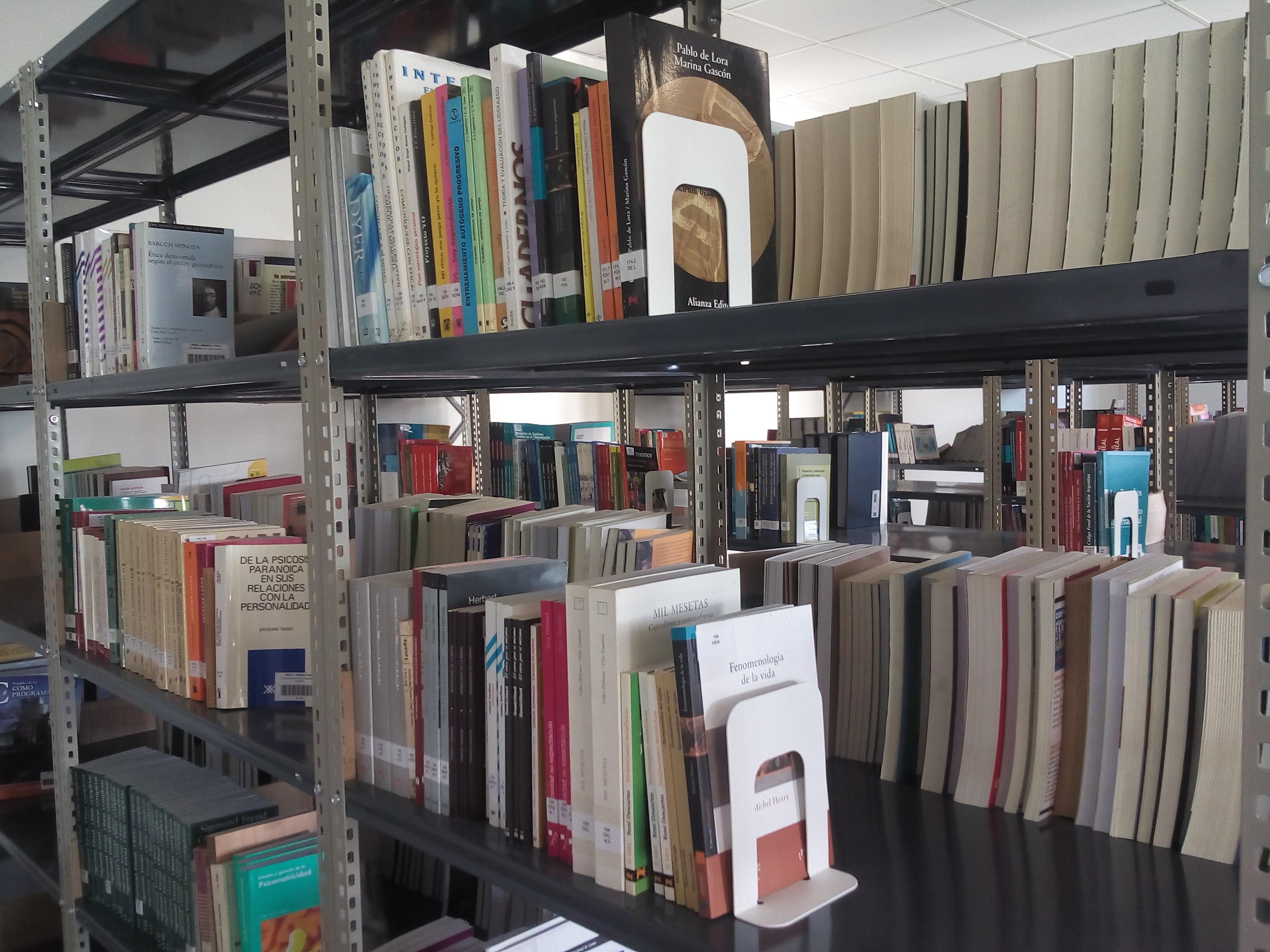 Biblioteca UNDAV 2 - Biblioteca Central UNDAV