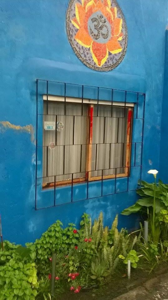 vista del taller. acceso - El Patio del Arte