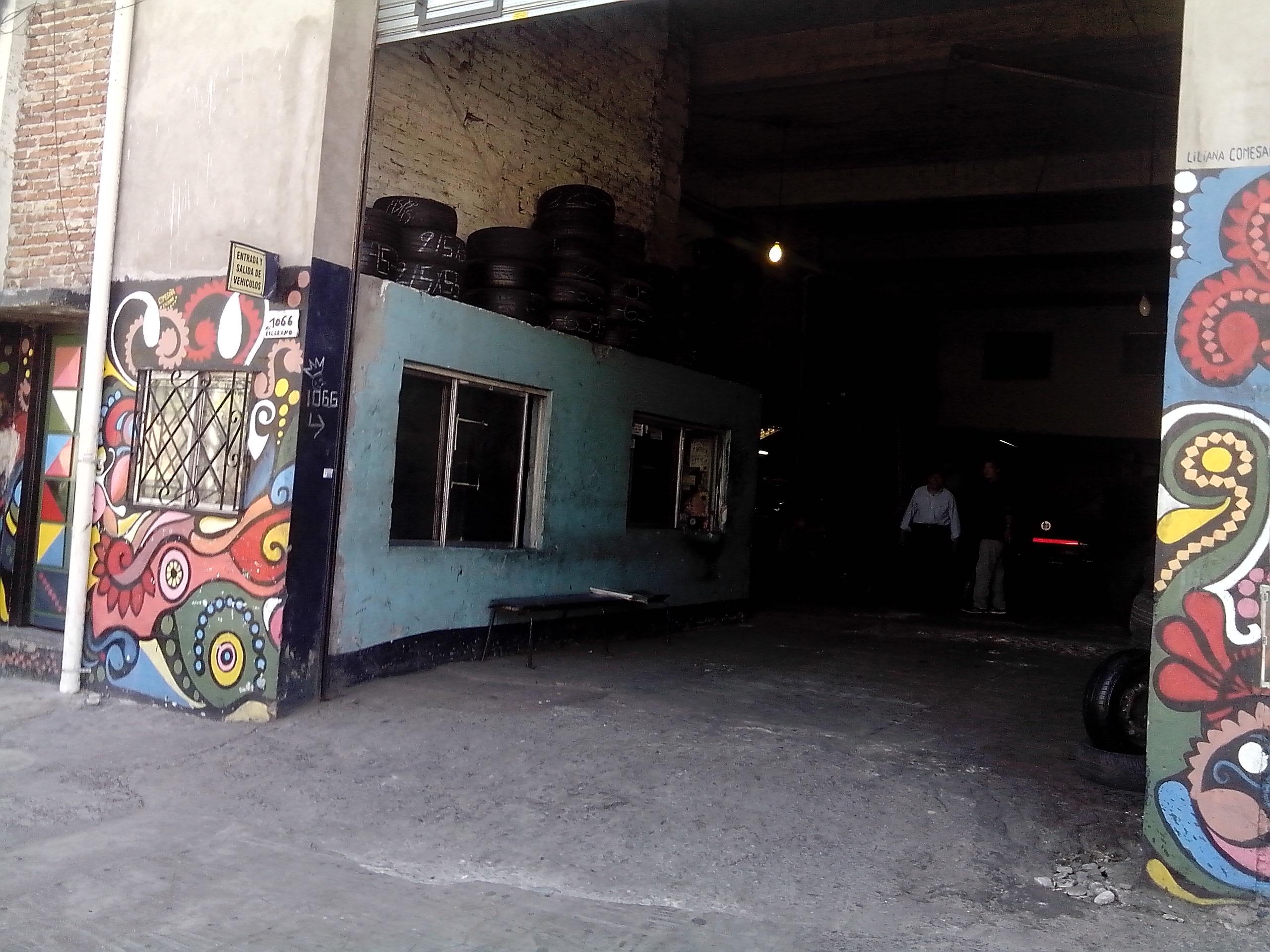 - Mural en  Av. Belgrano al 1000