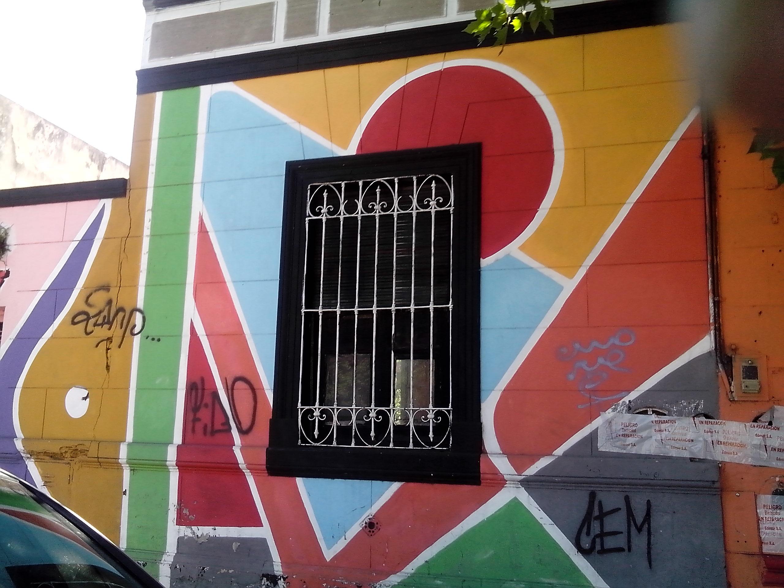 Mural en calle Belgrano esquina Gral Paz - Mural en Av. Belgrano y Gral. Paz