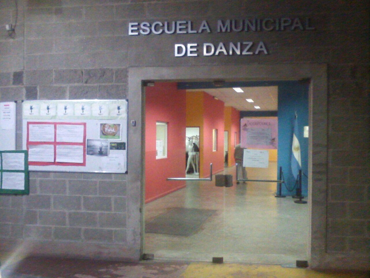 frente  - Escuela de Danzas