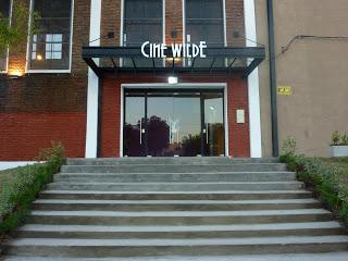Frente de la Institución - Centro Cultural que funciona dentro del Cine Wilde