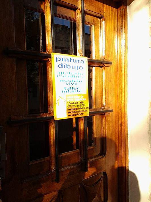 puerta acceso taller - Atelier de Horacio Cabezuelo