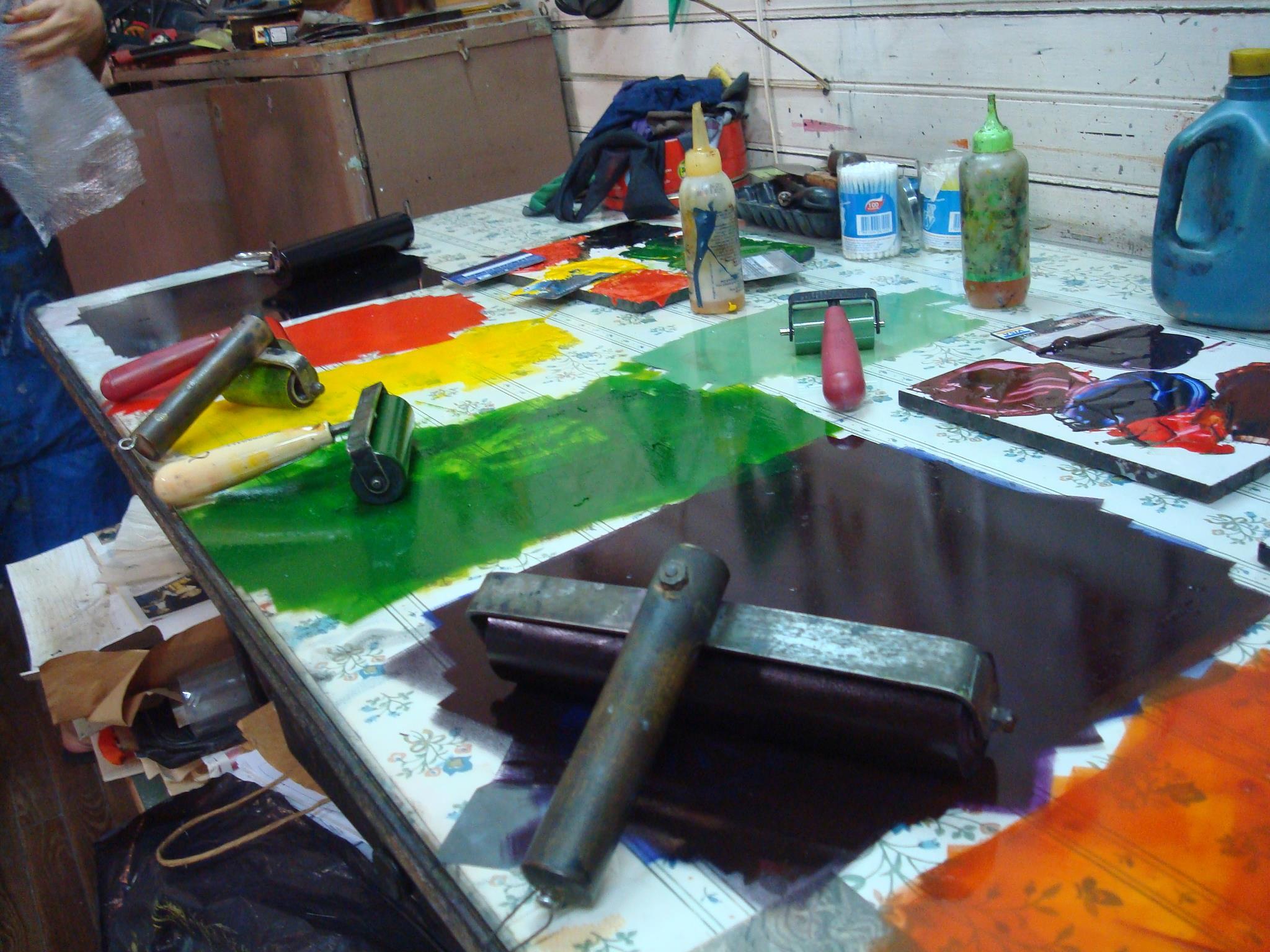 mesa de entintado. taller - Atelier de Silvia Rocca