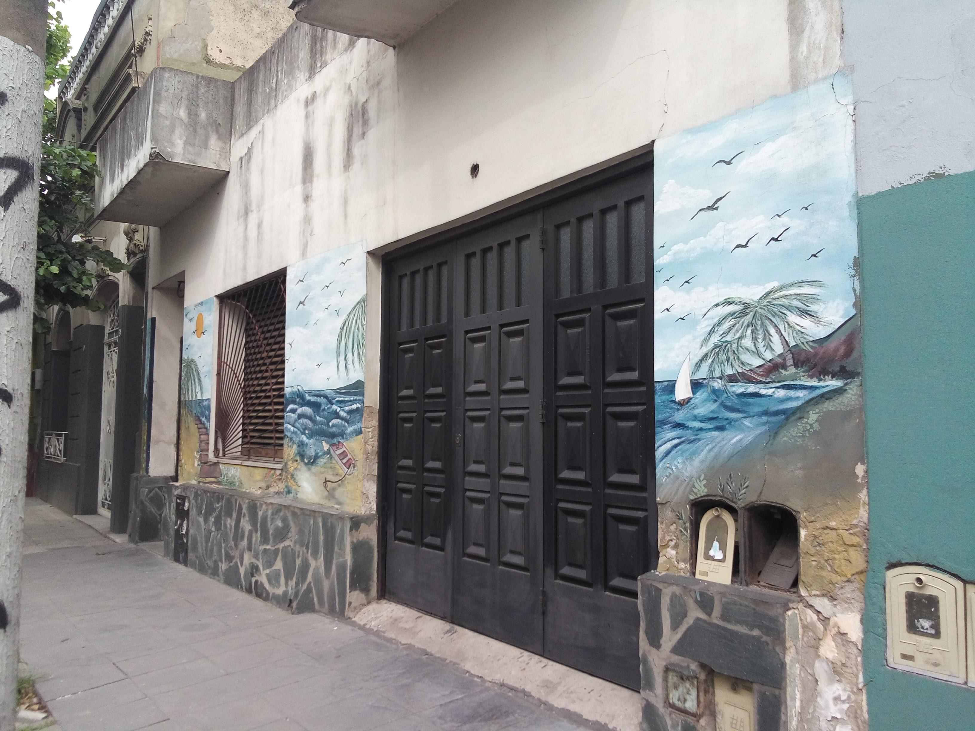 Imágen 3 Liliana Comesaña - Mural en Gral. Arenales al 300