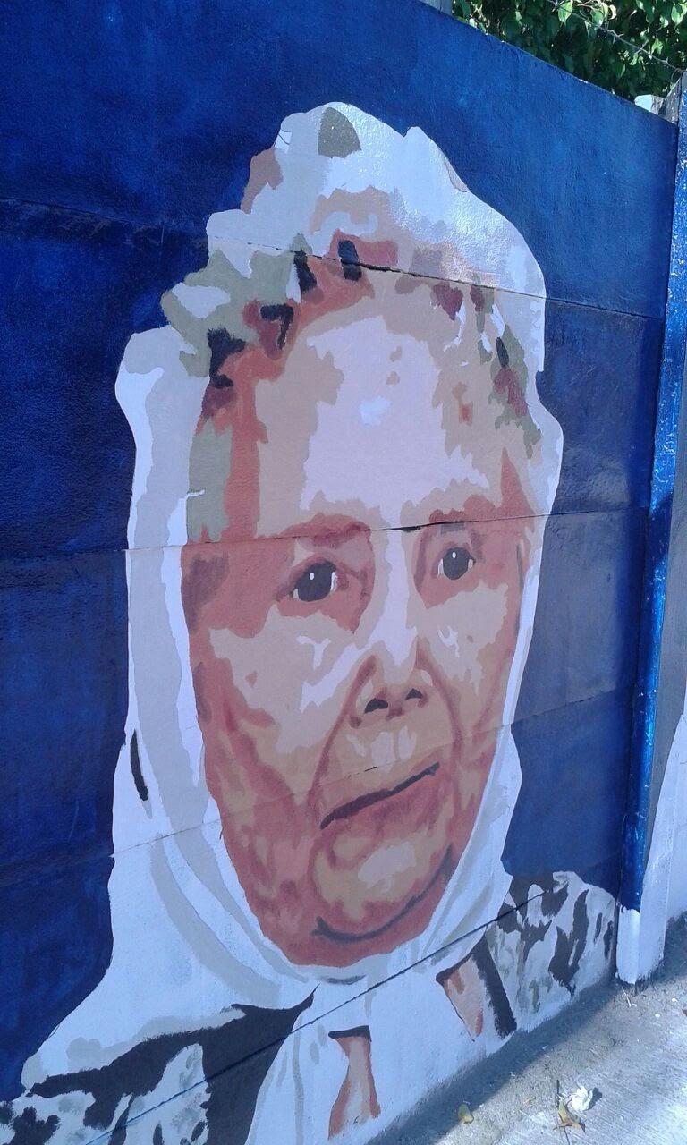Mural en homenaje a las Madres de Plaza de Mayo 5 - Mural en homenaje a las Madres de Plaza de Mayo