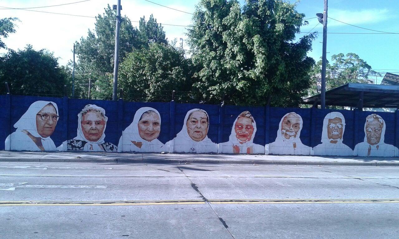 Mural en homenaje a las Madres de Plaza de Mayo 6 - Mural en homenaje a las Madres de Plaza de Mayo