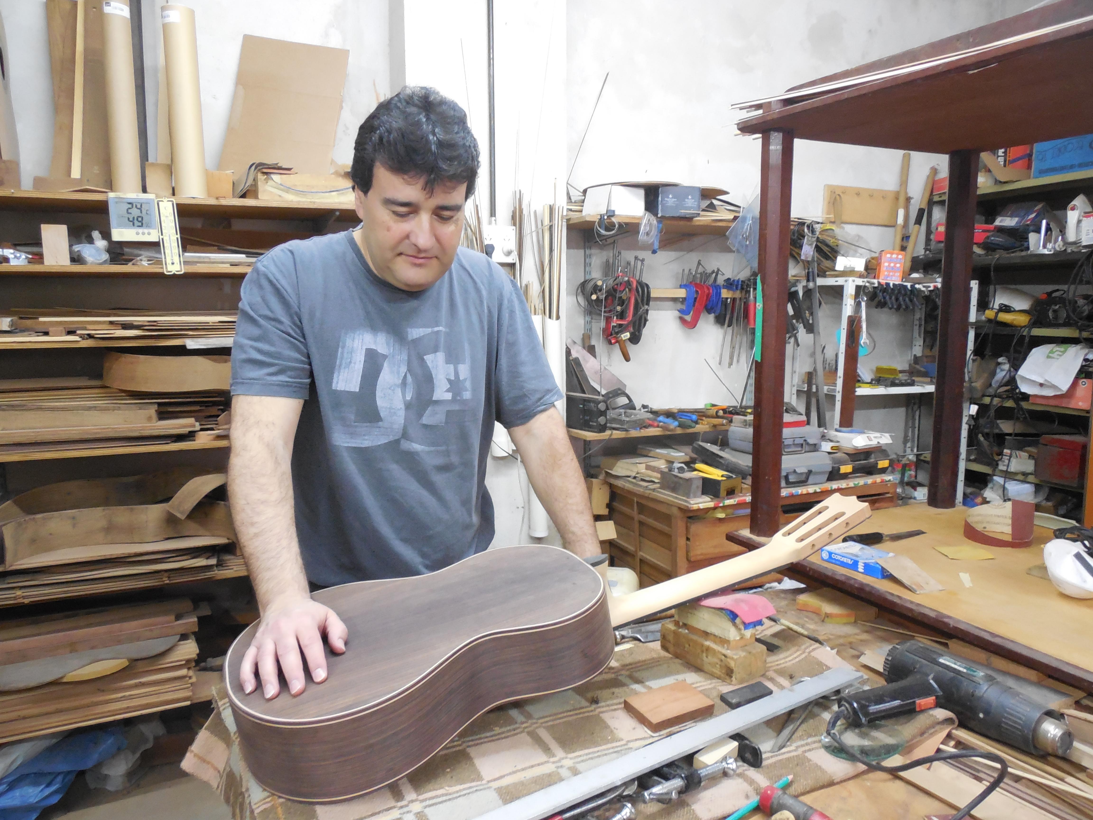 Taller de Mateo Crespi (Luthier) - Mateo Crespi Luthier