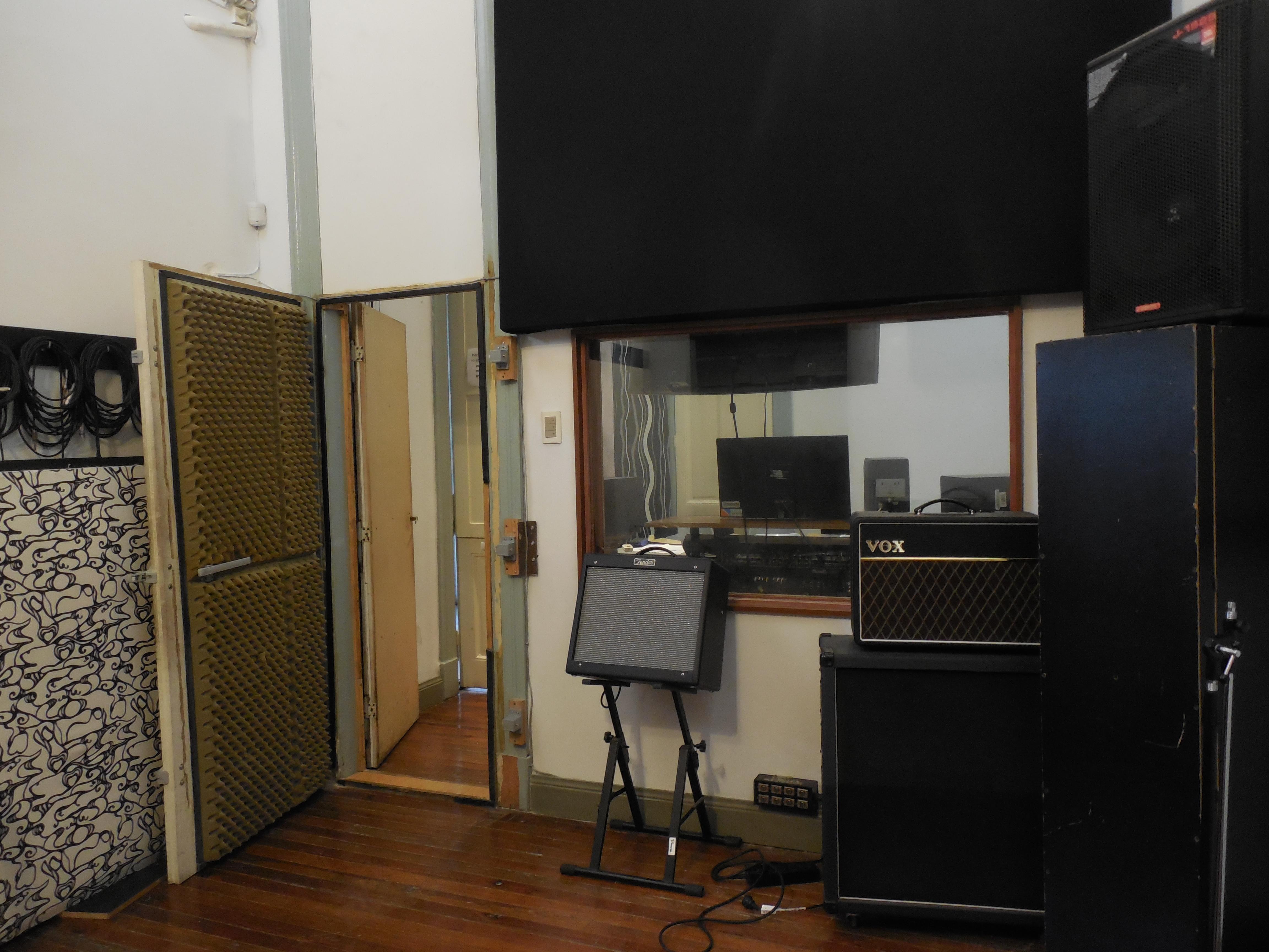 Estudio de Grabación Ecos - Estudio de Grabación del Instituto de Sonido Ecos