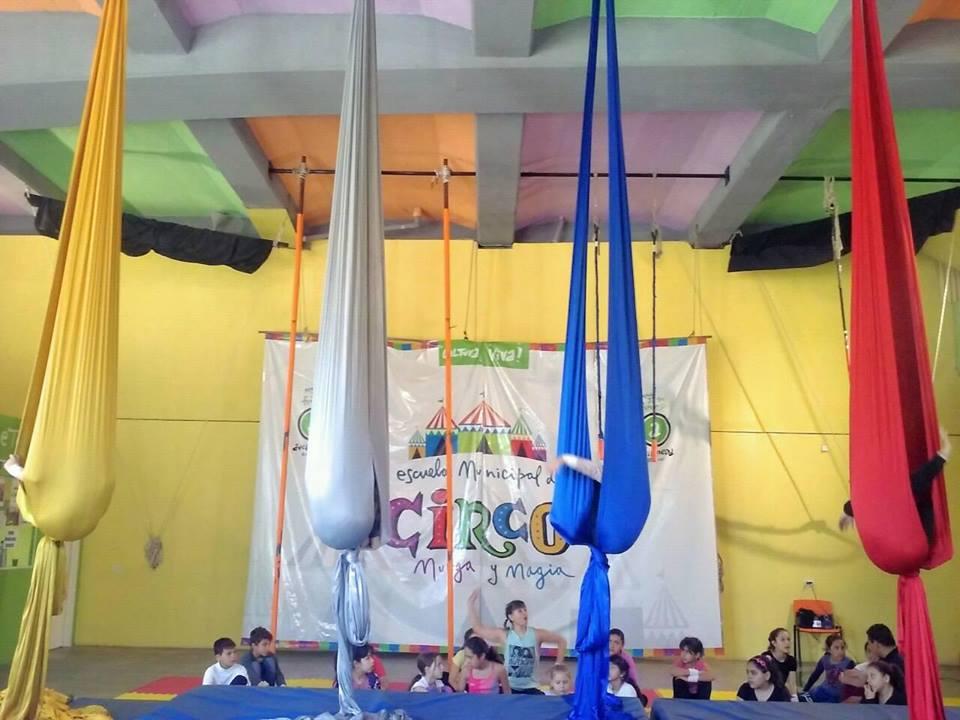 Interior de la escuela de circo - Muestra de fin de año de la Escuela Municipal de Circo, Murga